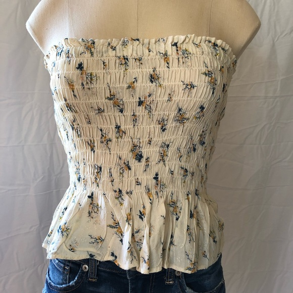 cba0cb1ebc2 NWT American Eagle Floral Smocked Tube Top